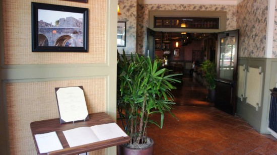 Tommy Bahama Tropical Cafe at Pointe Orlando on International Drive: Inside the restaurant entrance.