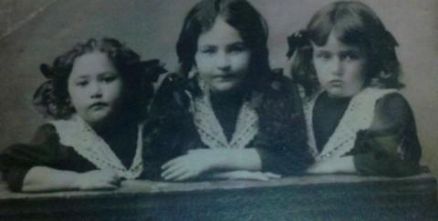 3 Sisters Speakeasy: The 3 sisters bid you welcome.