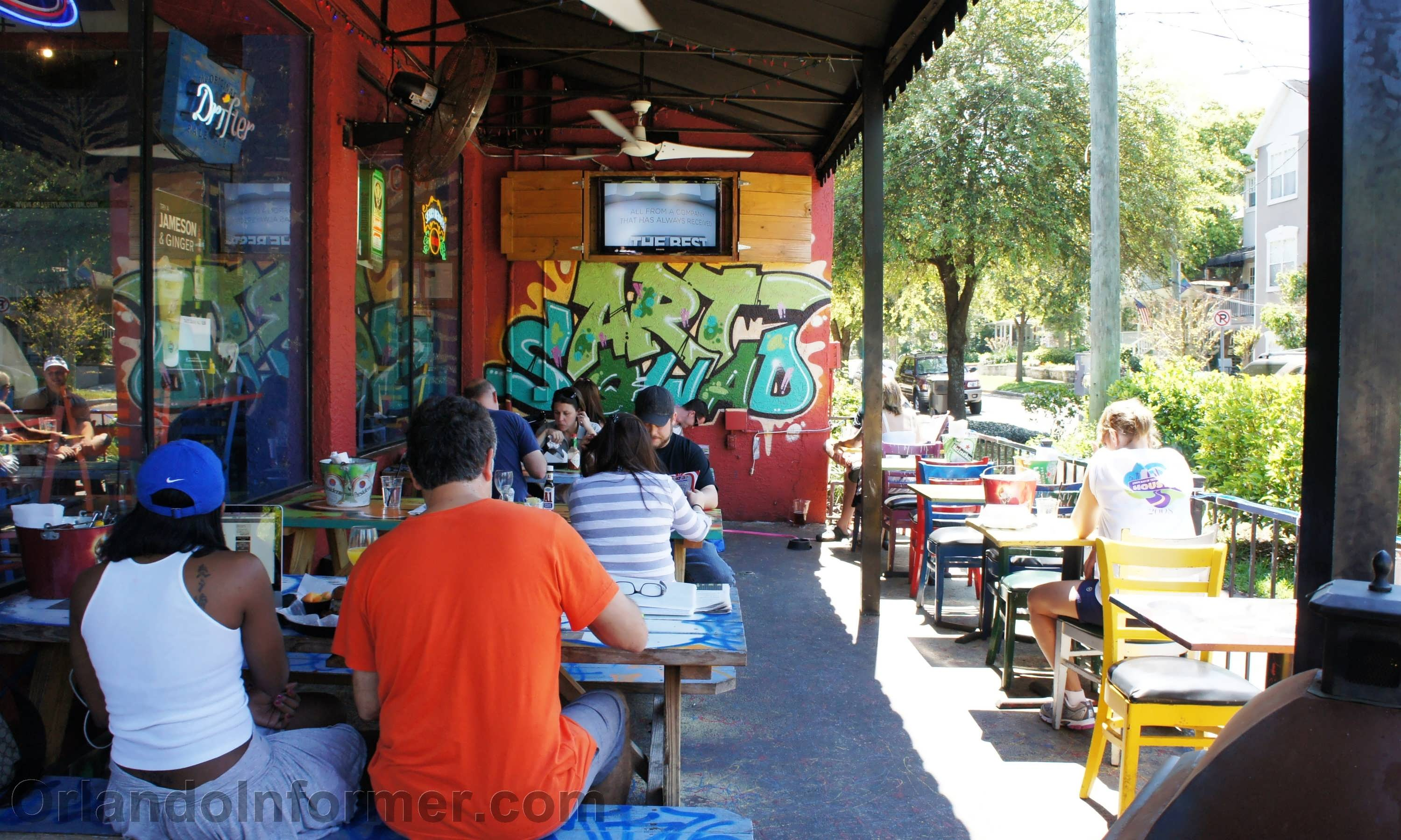 Graffiti Junktion: Burgers with a side of attitude in Orlando's ...