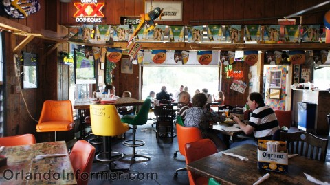 PR's Taco Palace: Inside seating area.