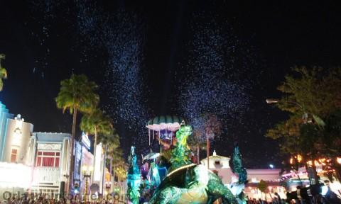 Universal Studios Mardi Gras 2011 Parade: Pow.