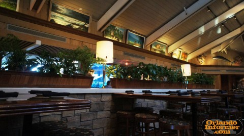 Johnnie's Hideaway Restaurant: Indoor seating.