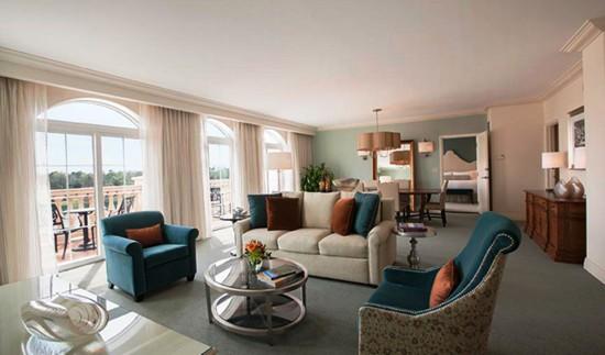 Portofino Bay Hotel Villa suite.