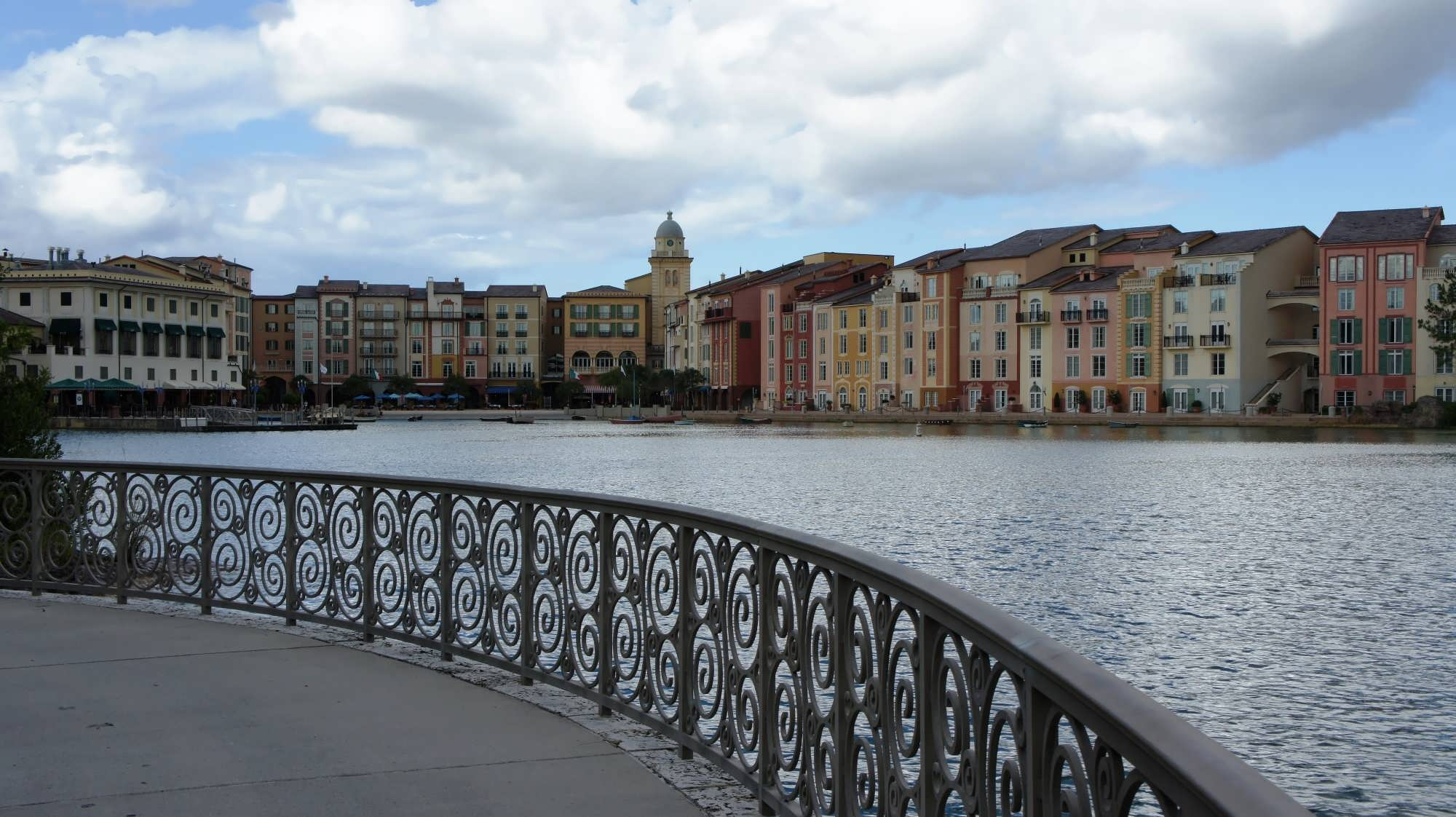loews portofino bay hotel distance from the parks