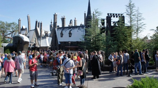 The line stretching out from Hogwarts Castle (2).