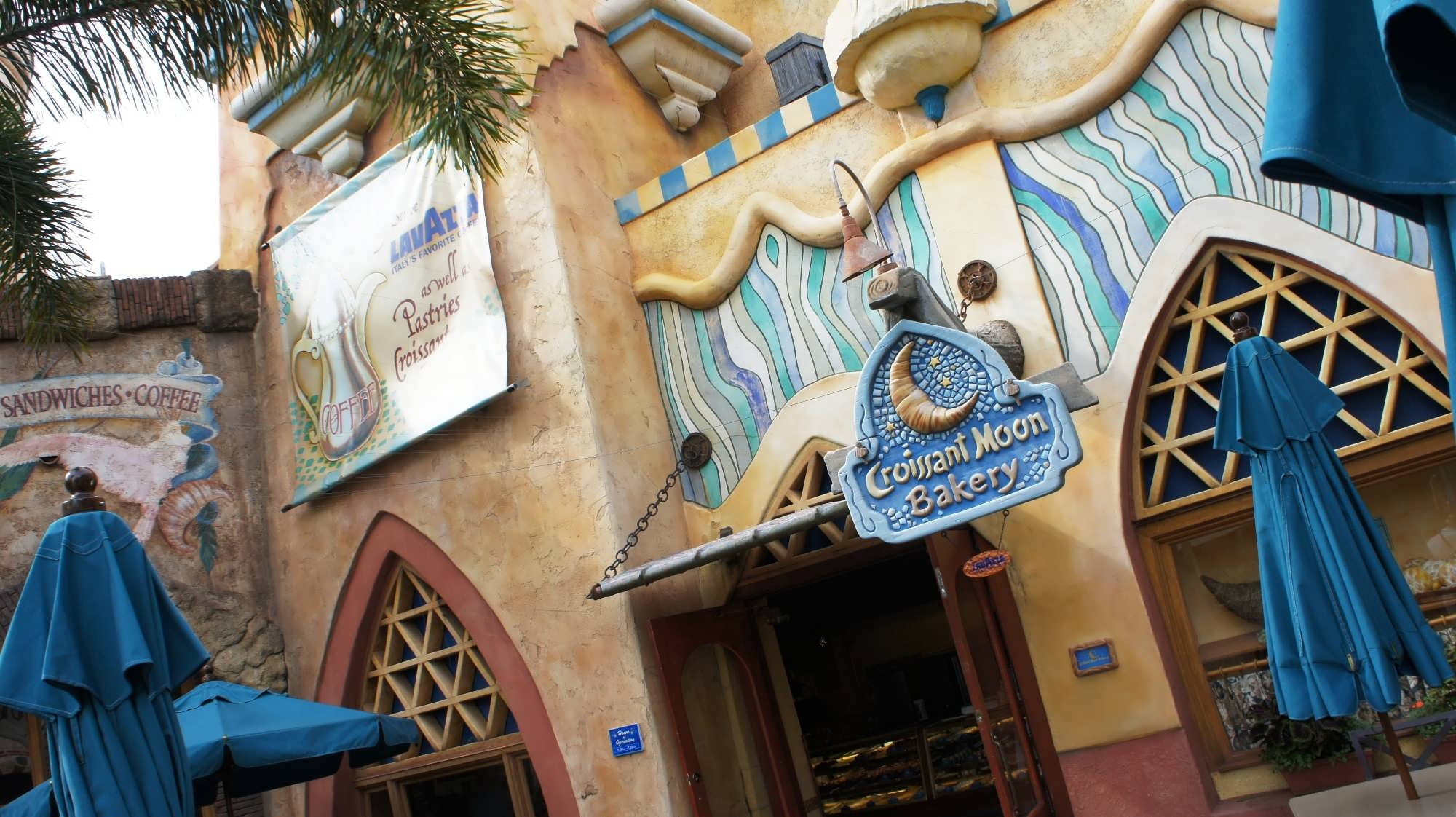 Croissant Moon Bakery entrance at Islands of Adventure