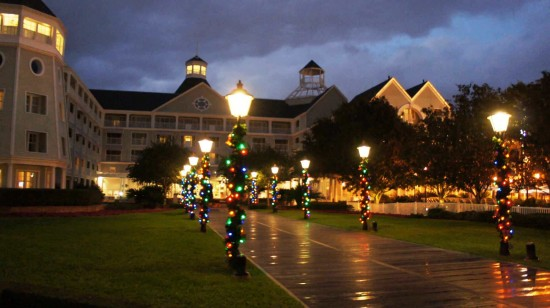 Holiday Decorations At Disney S Yacht Amp Beach Club Photo