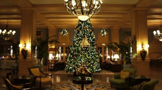 Holiday Decorations At Disney S Yacht Amp Beach Club Photo