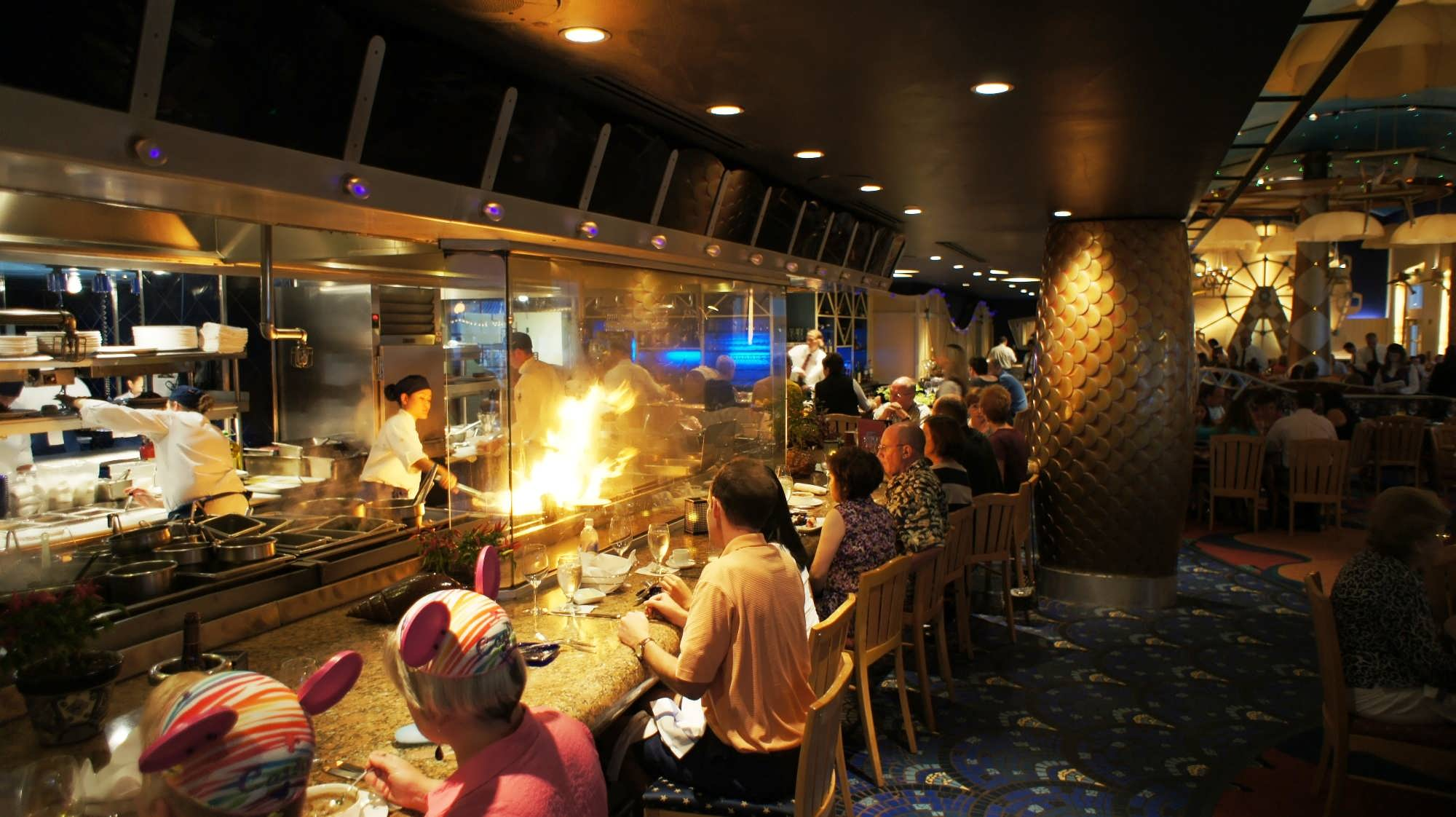 Our best tips for saving on dining during your next disney for Flying fish cafe disney