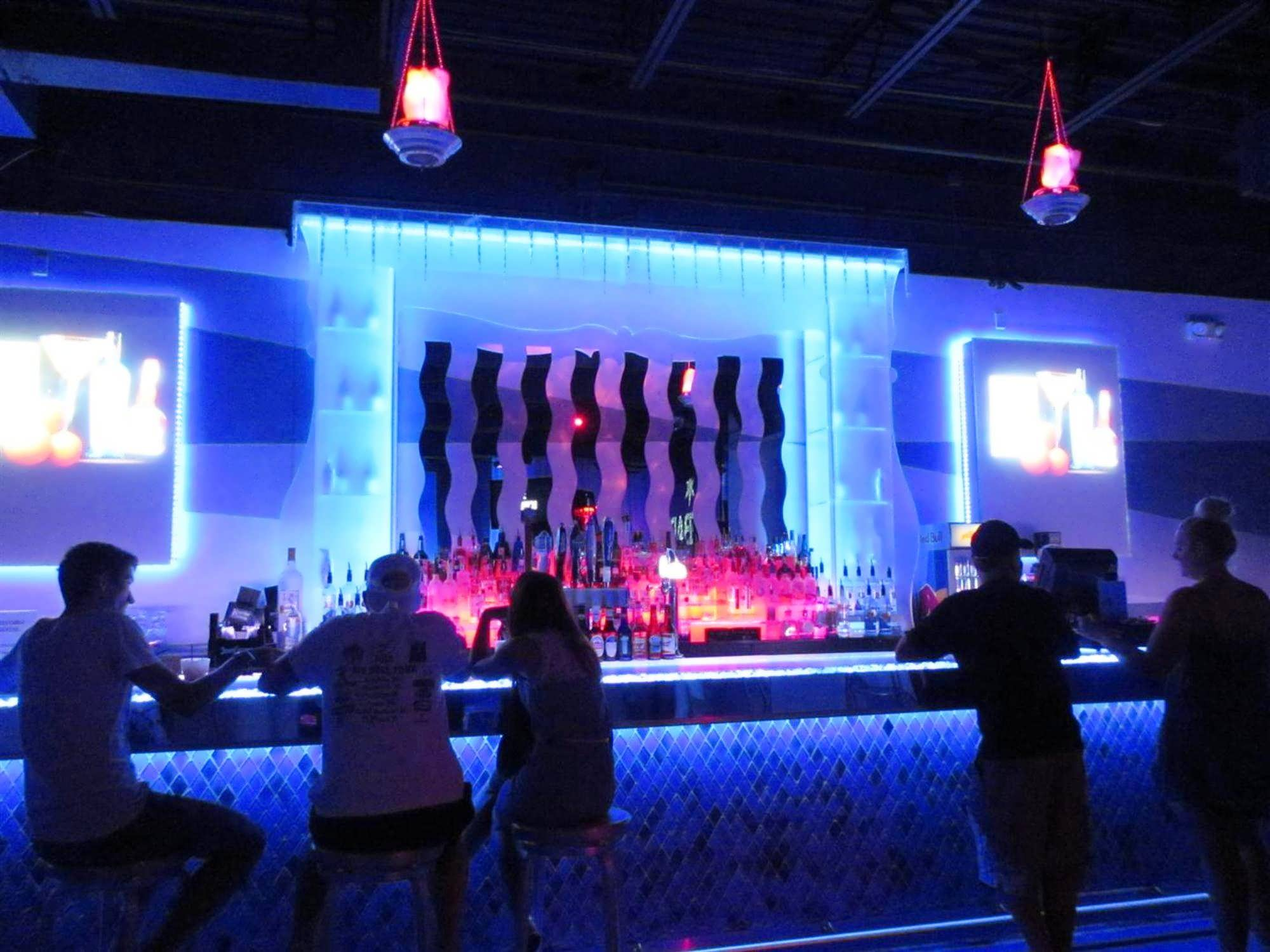 Icebar orlando on i drive get your next drink served with 50 tons icebar orlando on international drive aloadofball Image collections