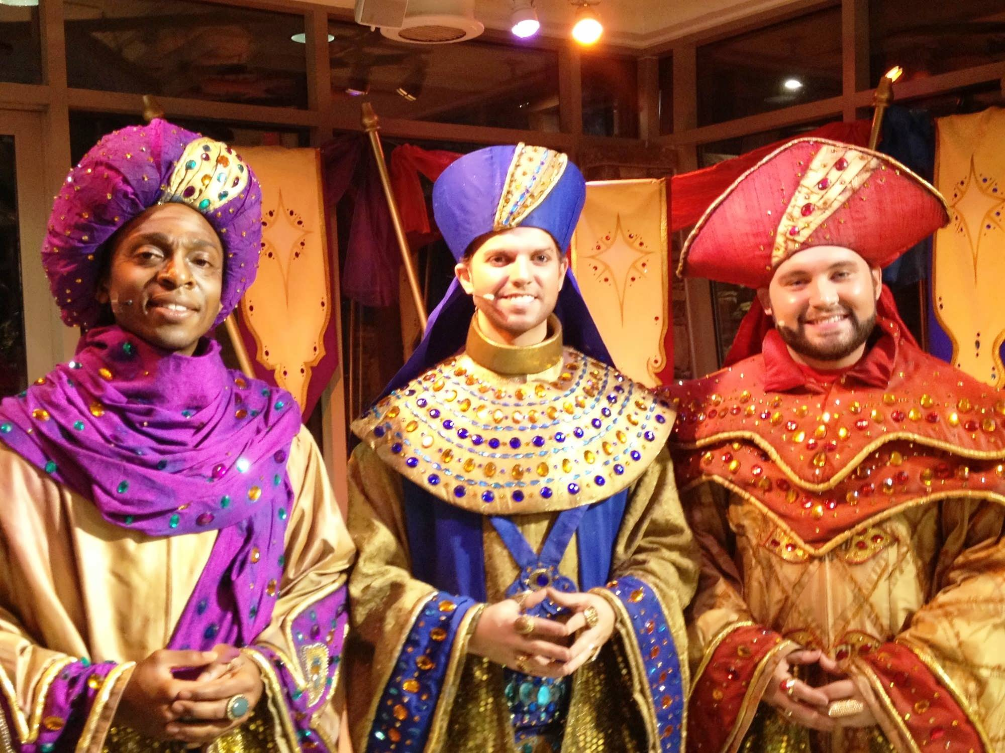 Christmas Town at Busch Gardens: A new holiday tradition filled ...
