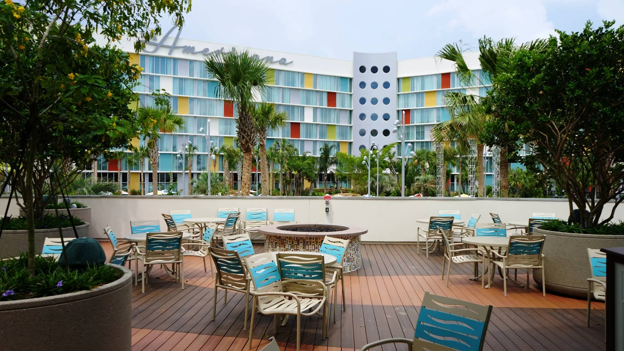 Hideaway Bar & Grille at Cabana Bay Beach Resort