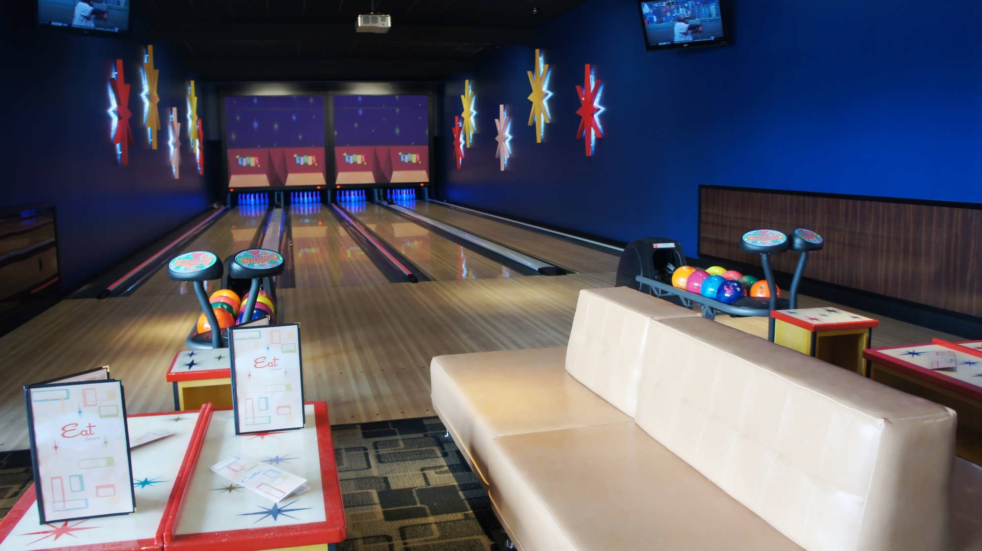 Kings Bowl Orlando I Drive Has A New Hot Spot For