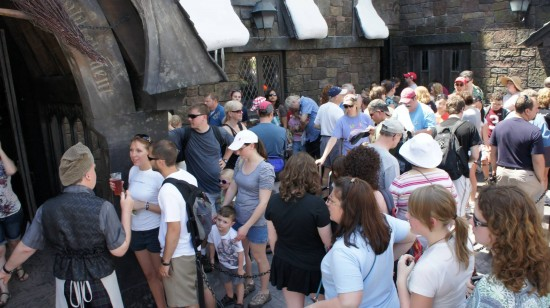 Summer lunch line to get into Three Broomsticks.