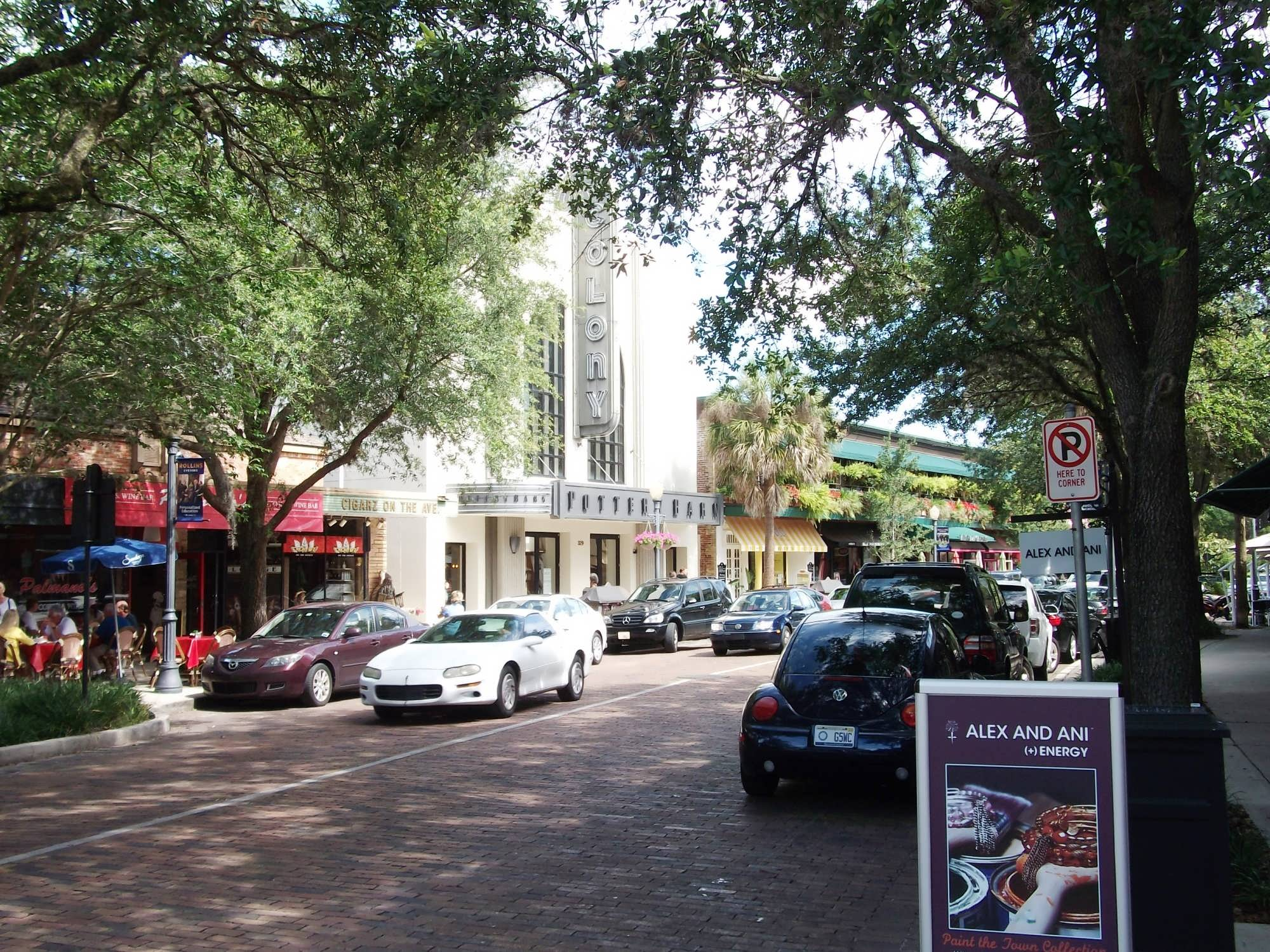 In Winter Park you will find more than 70 parks, all home to various events, festivals and celebrations throughout the year – and available to anyone looking for a place to sit in the shade and enjoy a beautiful Central Florida afternoon.
