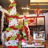 Port of Entry Christmas Shoppe - Islands of Adventure.