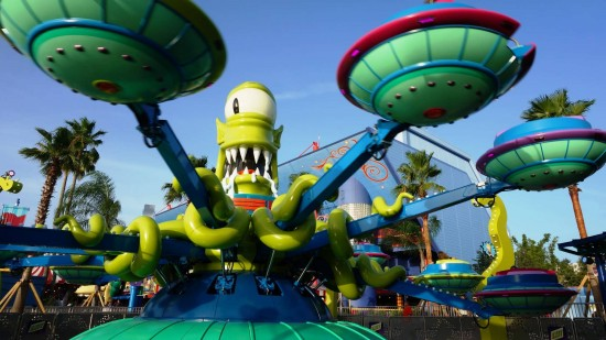 Kang & Kodos' Twirl 'n' Hurl at Universal Studios Florida.