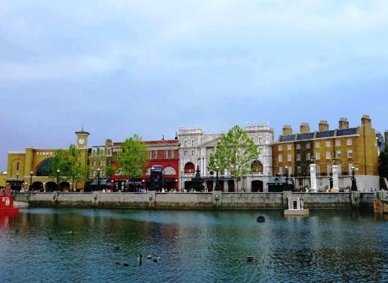 London waterfront - June 2014.