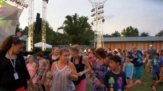 Busch gardens tampa trip report july 2014 summer nights extravaganza rhino rally reopens Busch gardens crowd calendar