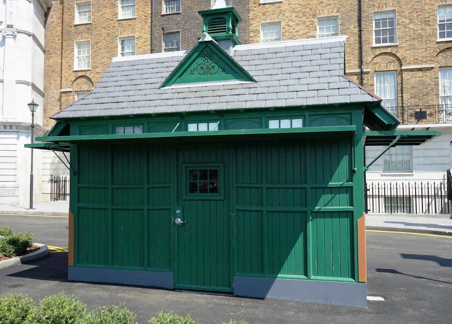 A Cabman's Shelter in Muggle London