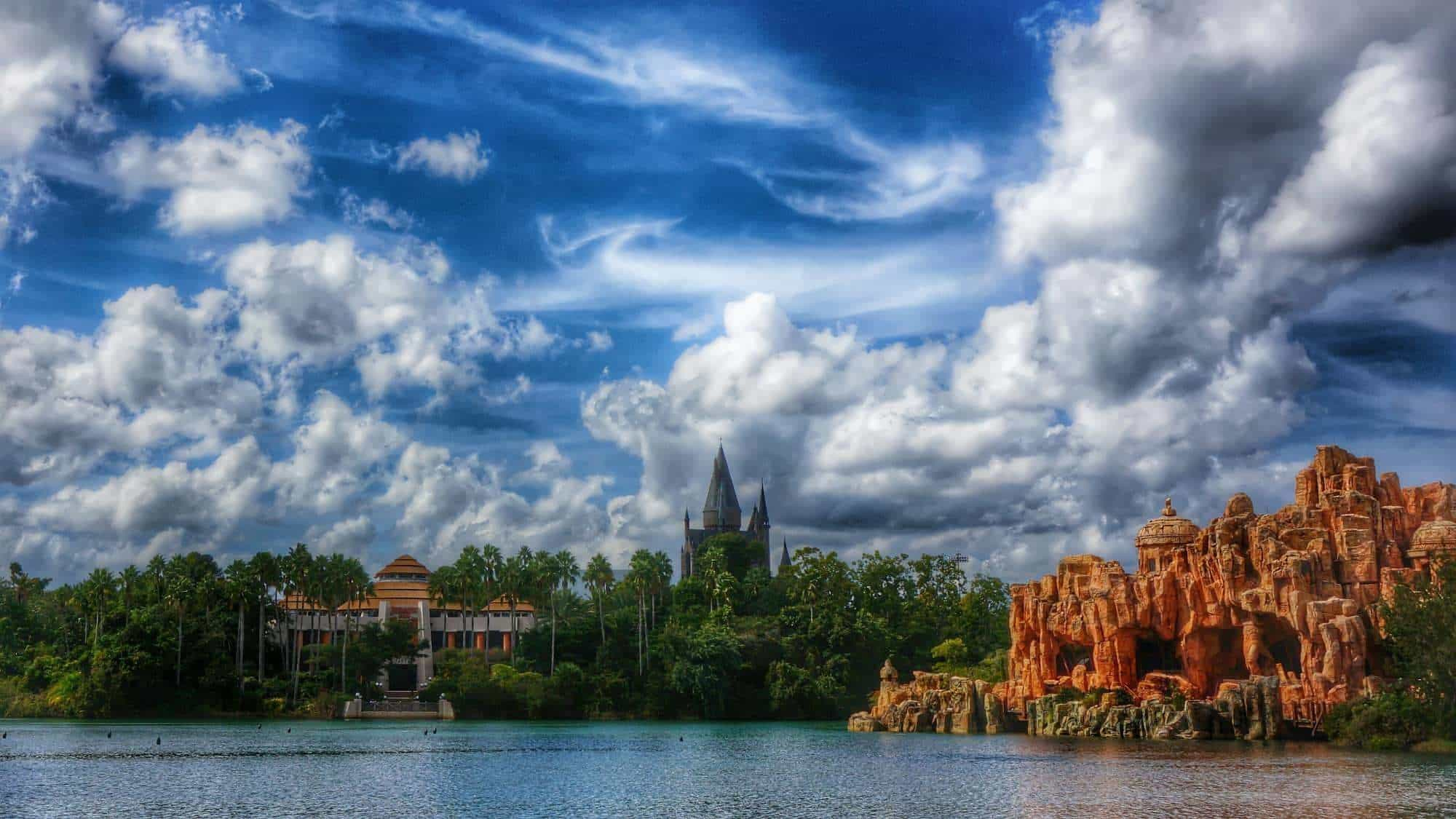 3 adorable love stories from Orlando's theme parks