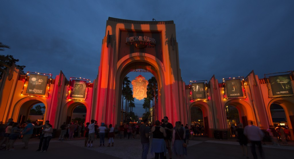 Insider S Guide To Hhn 2019 Tickets Express Passes And