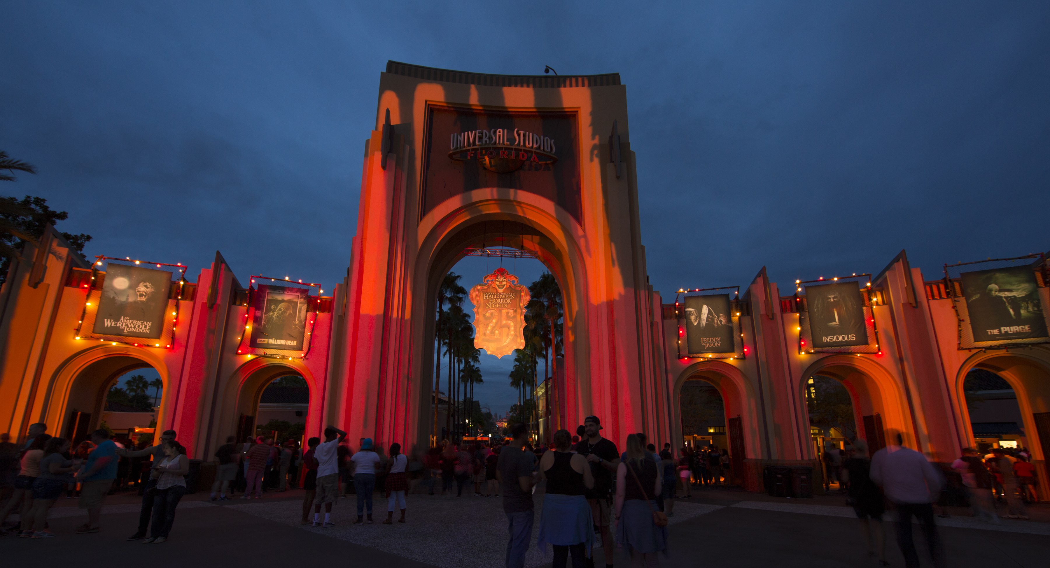 halloween horror nights 2017 complete insiders guide - Universal Halloween Night
