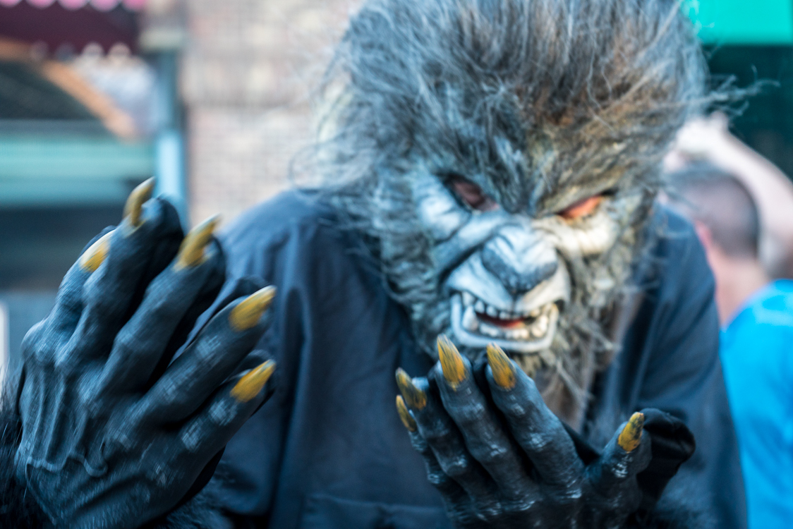 Here's how to prepare for Halloween Horror Nights 25