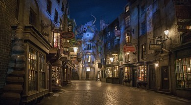 (UNIVERSAL) 32_Diagon Alley at Night