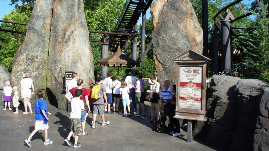 oi-harry-potter-world-2011-flight-of-the-hippogriff-entrance