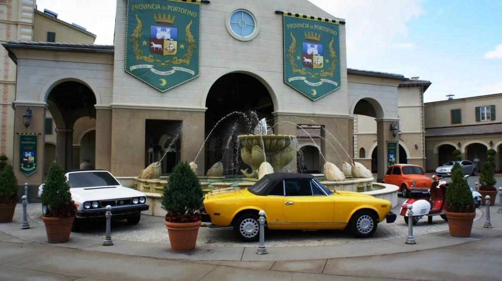 Portofino Bay Hotel entrance area.