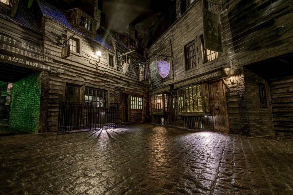 Knockturn Alley at The Wizarding World of Harry Potter - Diagon Alley