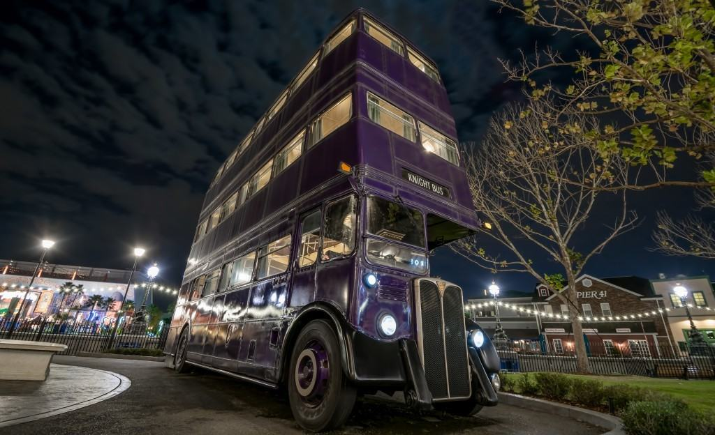 The Knight Bus at The Wizarding World of Harry Potter - Diagon Alley
