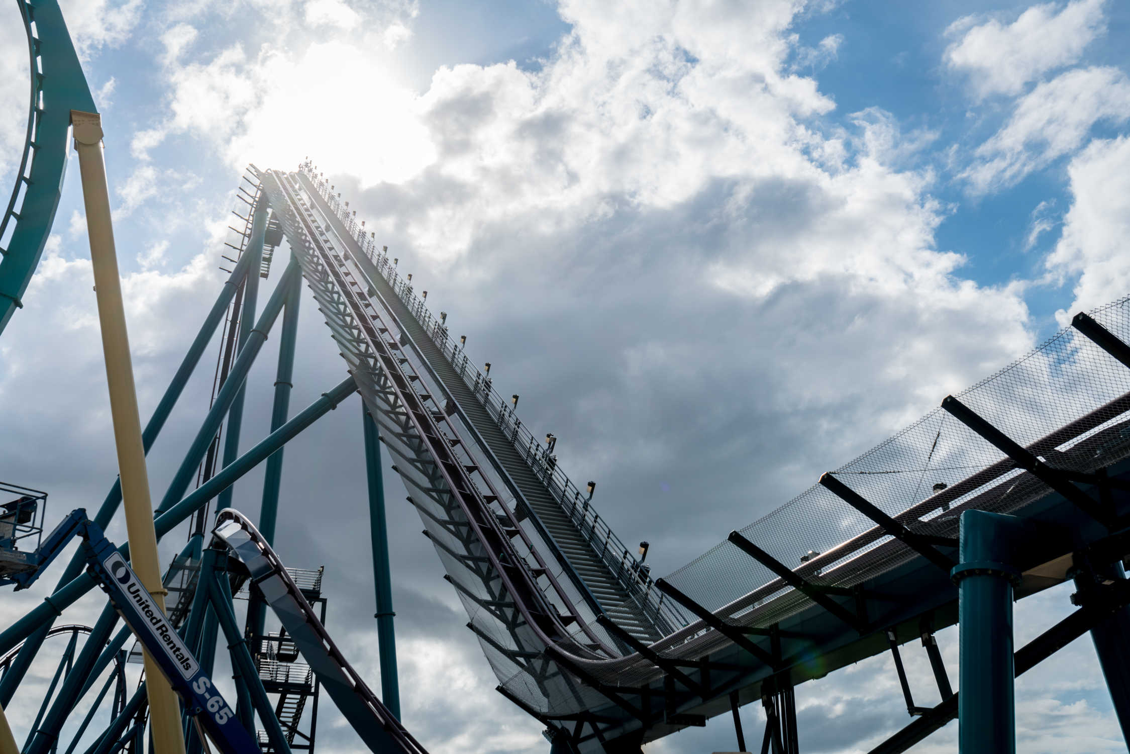 Mako now open at SeaWorld Orlando