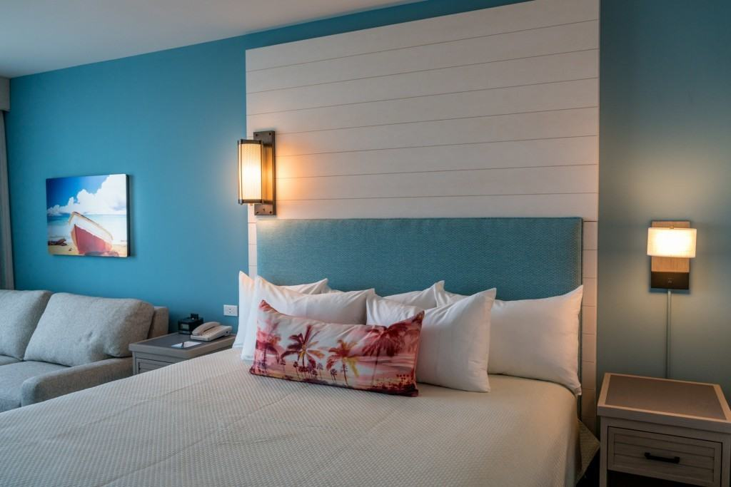 Standard King Room at Loews Sapphire Falls at Universal Orlando