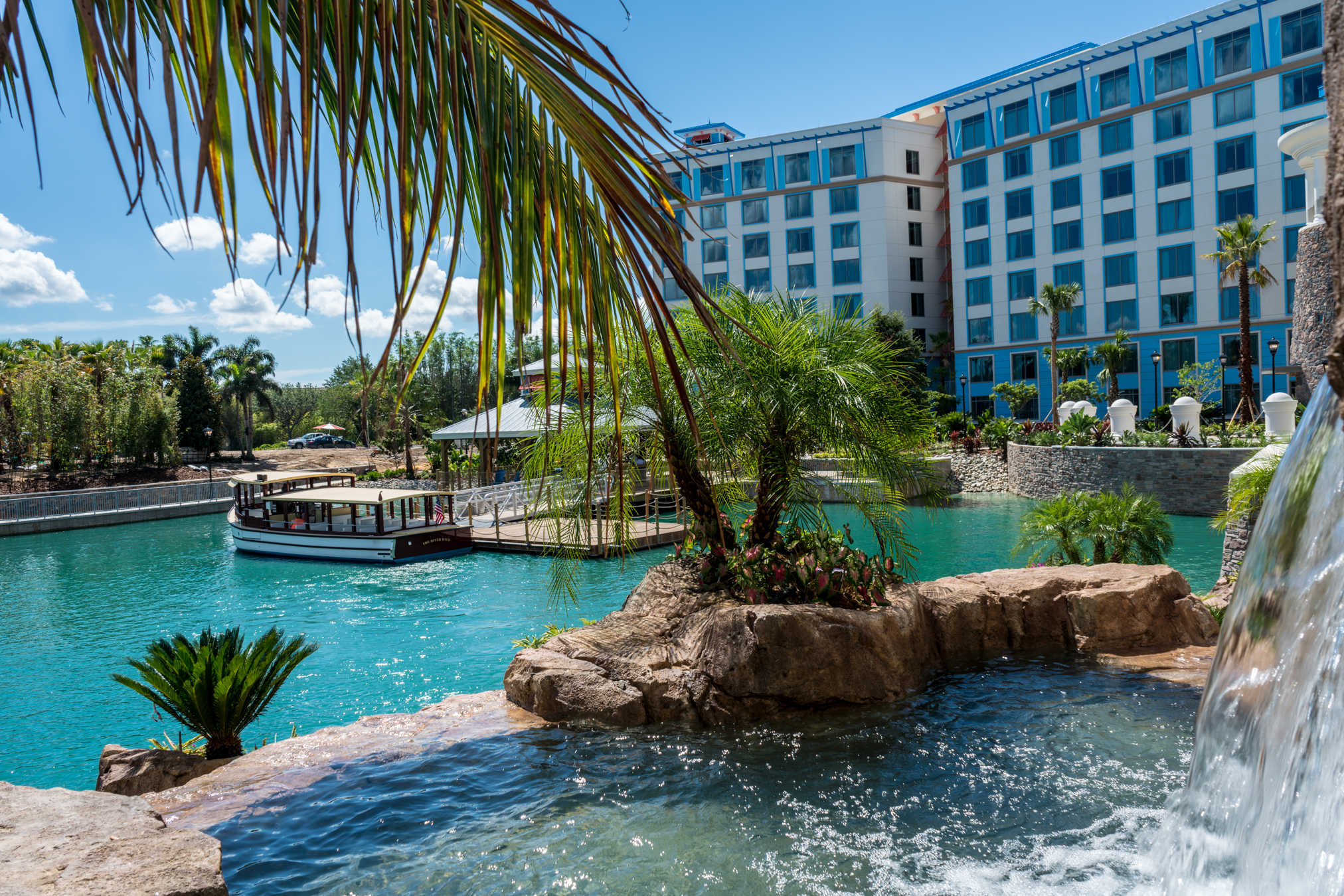 REVIEW: Loews Sapphire Falls Resort at Universal Orlando Resort