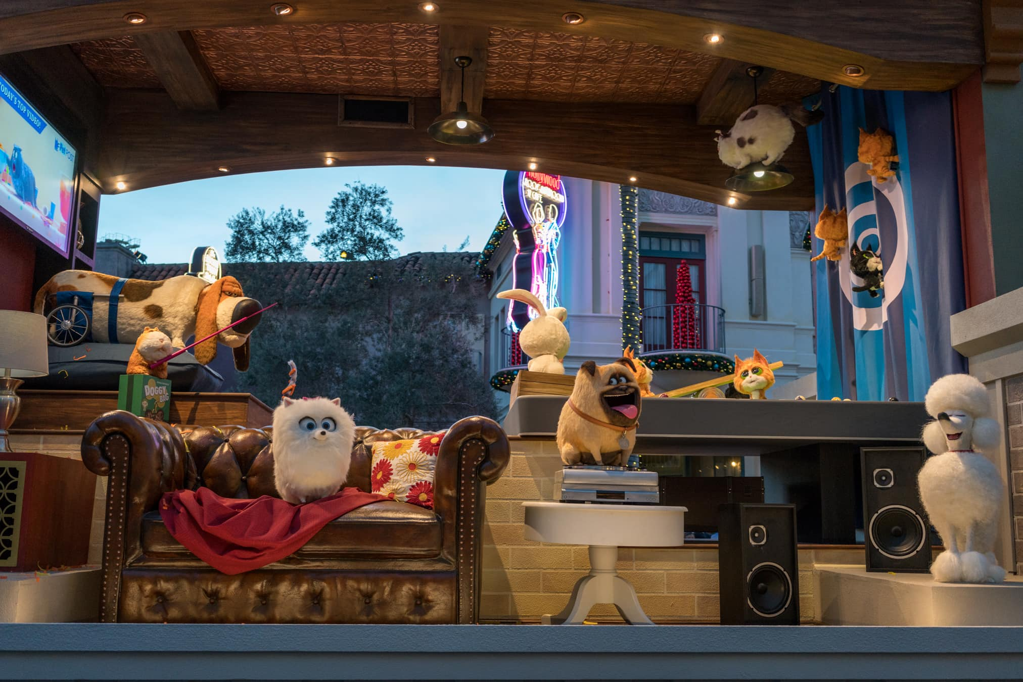 Secret Life of Pets debuts in Universal's Superstar Parade