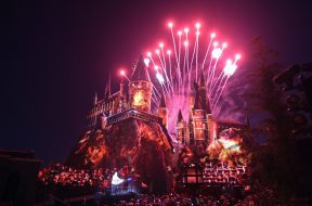 Hogwarts Castle's projection mapping at the Universal Studios Hollywood grand opening