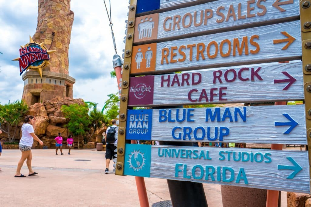 Sign directing guests to Islands of Adventure's Group Sales window