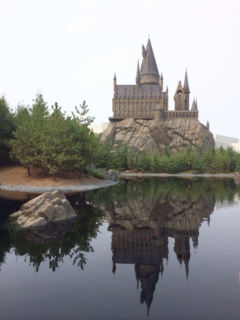 Hogwarts Castle and Black Lake at Universal Studios Japan