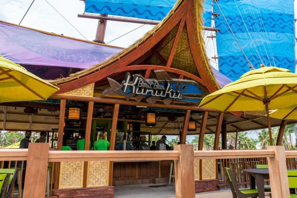 Kunuku Boat Bar at Universal's Volcano Bay