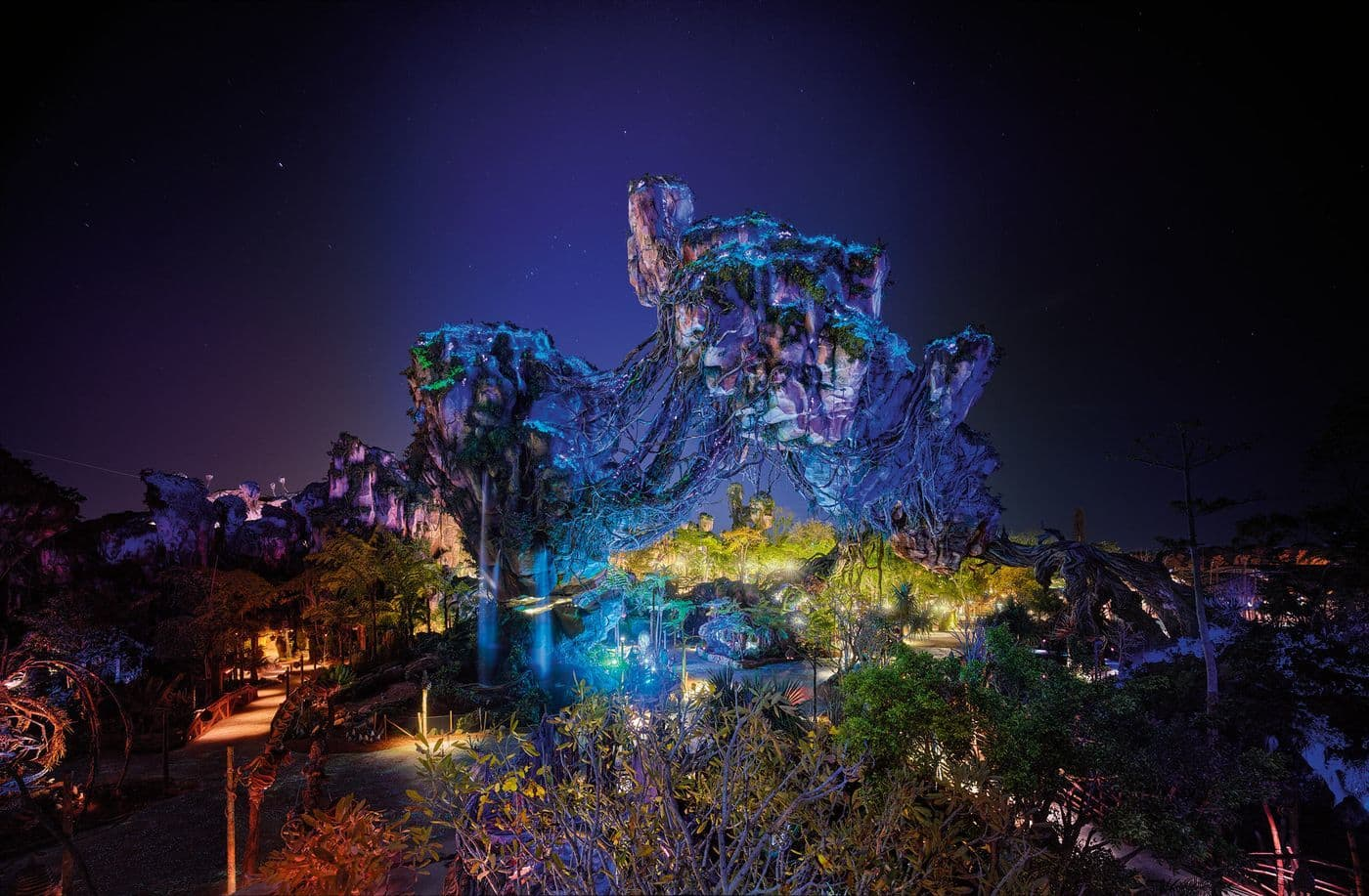 New nighttime photos of Pandora: The World of Avatar light up the night