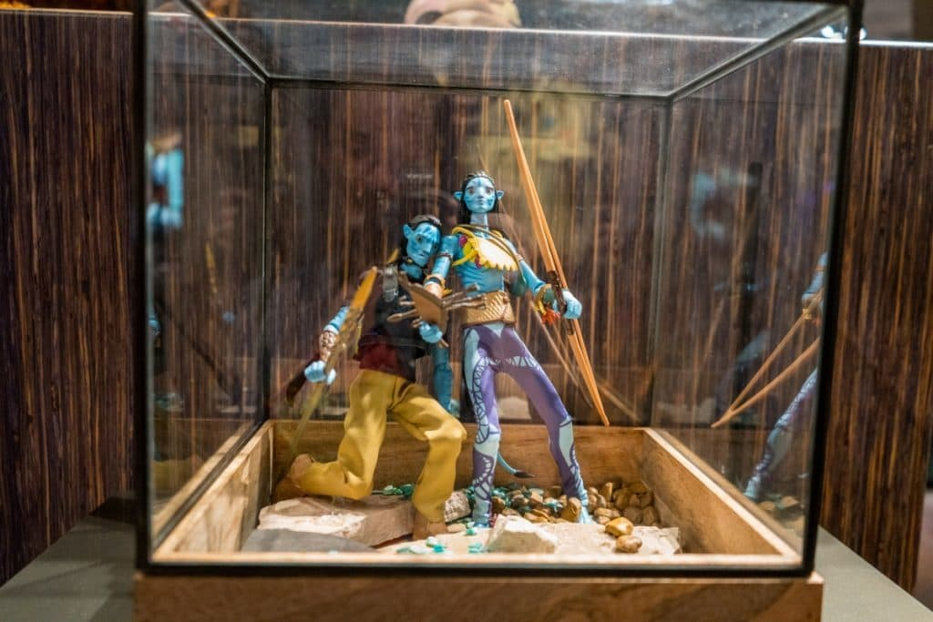 Customizable Na'vi action figure at Windtraders in Pandora: The World of Avatar