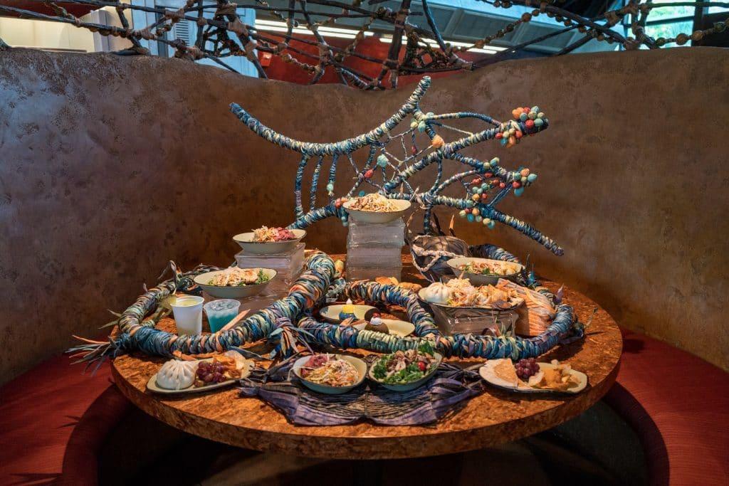 Lunch display at Satu'li Canteen in Pandora - The World of Avatar