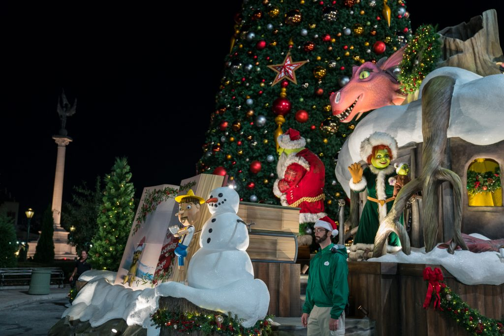 Shrek at Universal's Holiday Parade Featuring Macy's