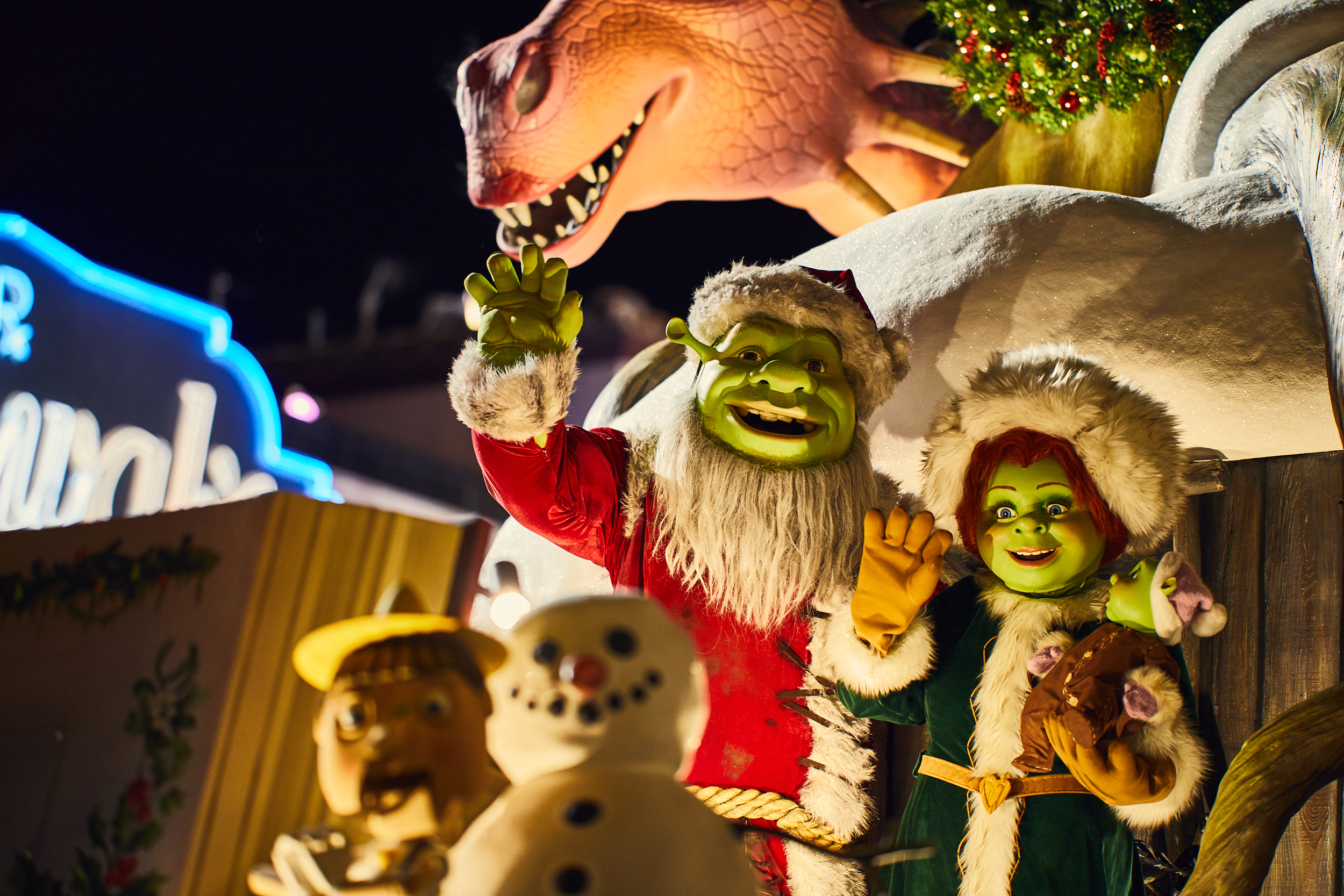 3 secrets behind Universal's new Holiday Parade