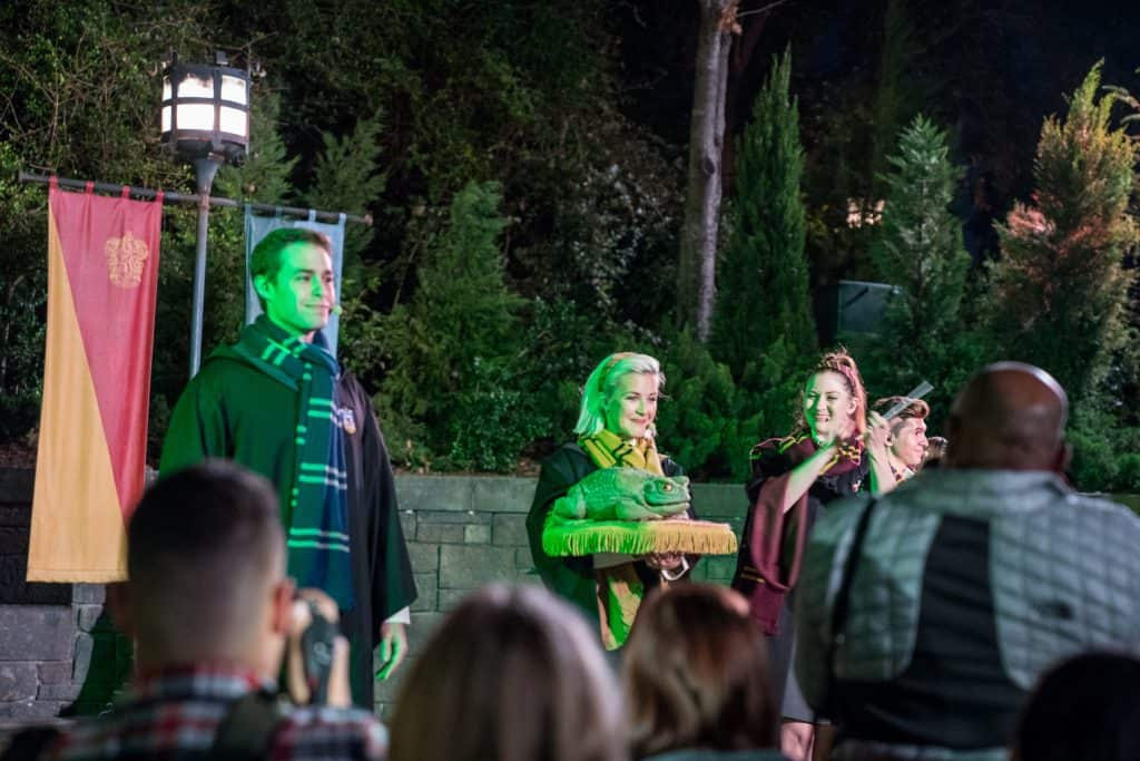Holiday Frog Choir at Chrismtas in The Wizarding World of Harry Potter