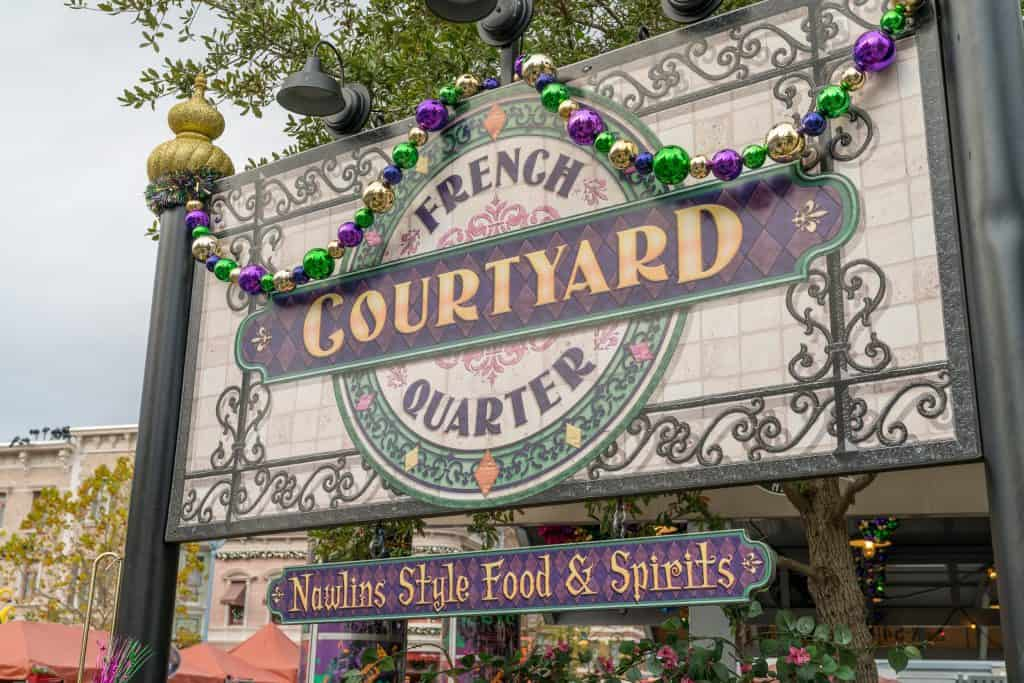 French Quarter Courtyard at Universal's Mardi Gras 2018
