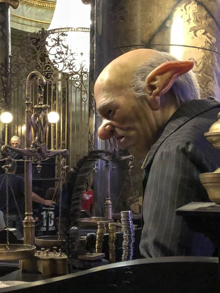 Harry Potter and the Escape from Gringotts's queue