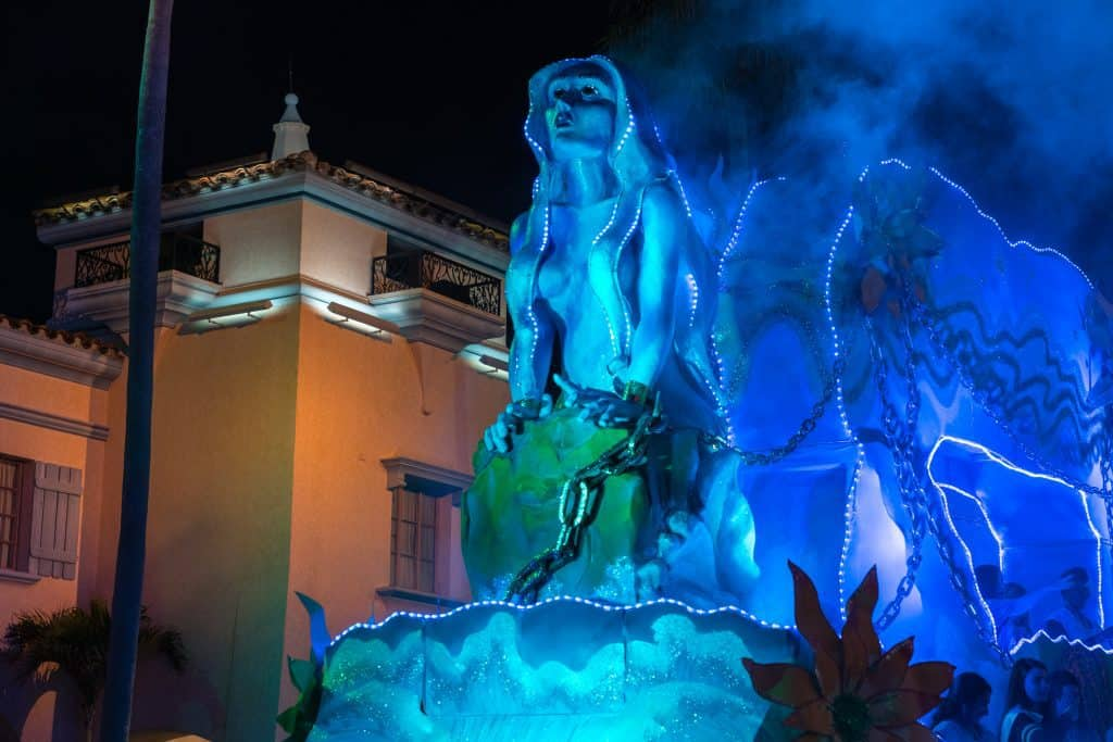 The Andromeda float in Universal's Mardi Gras 2018 parade